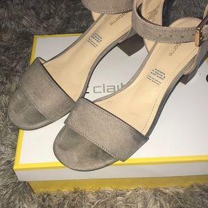 Liz Claiborne Shoes - 🧜🏼♀️Tan heels